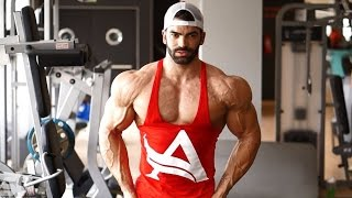getlinkyoutube.com-Sergi Constance - How get a shredded shoulders workout