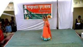 getlinkyoutube.com-Churi porechi ami hathe re by Sunflower School And College Uttarkhan Branch