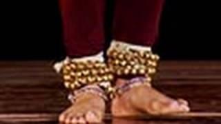 getlinkyoutube.com-Foot steps demonstration, Ladi composition in Kathak, Hindi lesson - 3