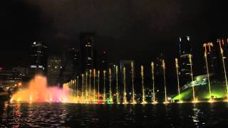 getlinkyoutube.com-MALAYSIA: KLCC LAKE SYMPHONY WATER FOUNTAIN SHOW (HD) - CINDAI (Instrumental) by SITI NURHALIZA