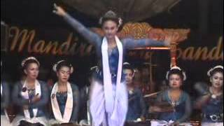 getlinkyoutube.com-Jaipong Titin Dongkrak