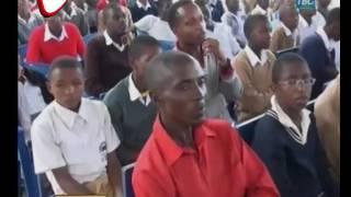 Walimu Walivuliwa Madaraka Kukumbatia Wanafunzi Hewa