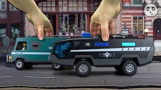 getlinkyoutube.com-PLAYMOBIL POLICE - Johnny and the Money Transporter - Pandido Toys