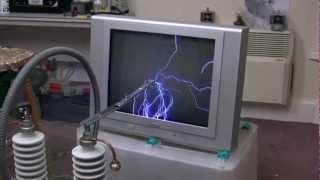 getlinkyoutube.com-300Kv On A Television