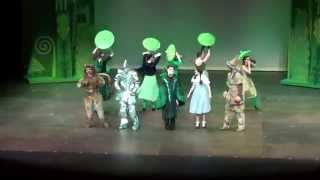 getlinkyoutube.com-Merry Old Land of Oz - The Wizard of Oz