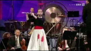 getlinkyoutube.com-Eva Nina Kozmus, Jacques Ibert - Flute concerto, 3rd mov.
