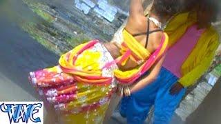 getlinkyoutube.com-Kamariya D. J Par Hilave - कमरिया D .J पर हिलावे - Beer Me Rum Mila Dem - Bhojpuri Hot Songs HD