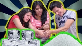 getlinkyoutube.com-Extreme ice and salt challenge | El reto de hielo y sal extremo (Sin restricción de edad)