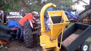 getlinkyoutube.com-Make Wood Chipper Throw 2x as far and never clog