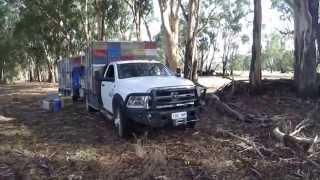 getlinkyoutube.com-RAM 3500 Bee Truck Trailer and Ezyloader