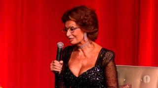 getlinkyoutube.com-Billy Crystal hosts a tribute to Sophia Loren