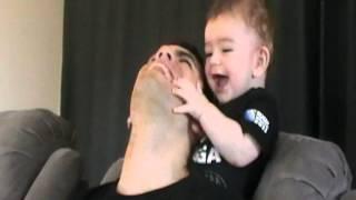 getlinkyoutube.com-Baby plays with dad, so cute!!!