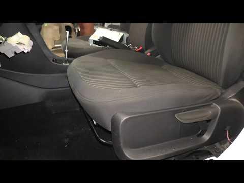 Как снять передние сиденья на VW Polo Sedan