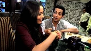 getlinkyoutube.com-Shakti Arora gifts Dimond Ring to Girlfriend Neha Saxsena