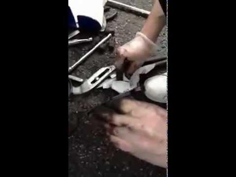 Замена тормозных колодок тормозных дисков Peugeot 206