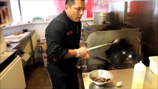 getlinkyoutube.com-Lomo Saltado Receta - TiraDToss Restaurant - Daniel Vassallo