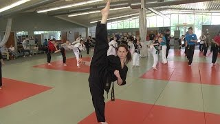 getlinkyoutube.com-Chloe and Grace Bruce Extream Kicking Seminar at Cincinnati Taekwondo Center