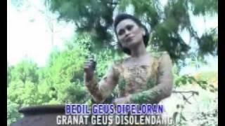 getlinkyoutube.com-Mang Koko - Bulan Teh Langlayangan Peuting - Teti Yani