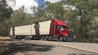 getlinkyoutube.com-Extreme Truckers test ride the new Kenworth T610