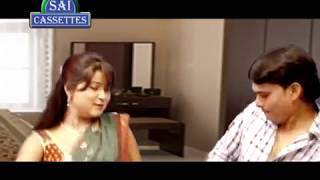getlinkyoutube.com-Bhojpuri Aunty And Young Boy Enjoy Alone At Home - Bhojpuri Aunty Hot Scene