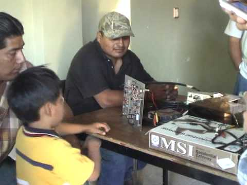 La Voz de Tepejillo: Radio Comunitaria en la Mixteca/ Community Radio in the Mixteca
