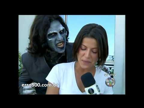 Zumbi dá susto ao vivo em repórter da Globo