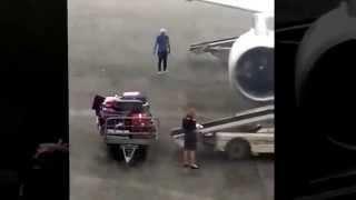 getlinkyoutube.com-عصابات متخصصة في سرقة امتعة المسافرين في مطار قرطاج