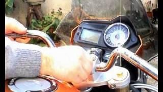 getlinkyoutube.com-hornet.it - montare manubrio conico rizoma hornet 600 [Parte 1/2]