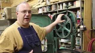 getlinkyoutube.com-Installing and Crowning Bandsaw Tires