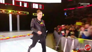 Ronda Rousey 1st Entrance on Monday night Raw.