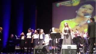 """""""Sobe, Sobe, Balão Sobe"""" - Orquestra Aeminium e Coro Pequenas Vozes da Figueira da Foz"""