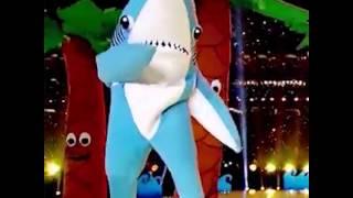 Tiburón bailando :v