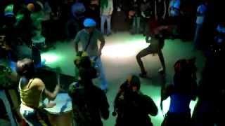 Show Grupo Muzenza de Capoeira-Leon.Professor Quebra-Côco - Batucada 2/3