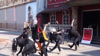 Zombie-Tanz vor dem Hotel Psycho im Prater
