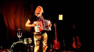 FaulenzA - Herz und Theorie (live Video 9.8.2011)