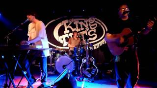 Jonny - Little Baby. Live in King Tut's 1st July 2011.