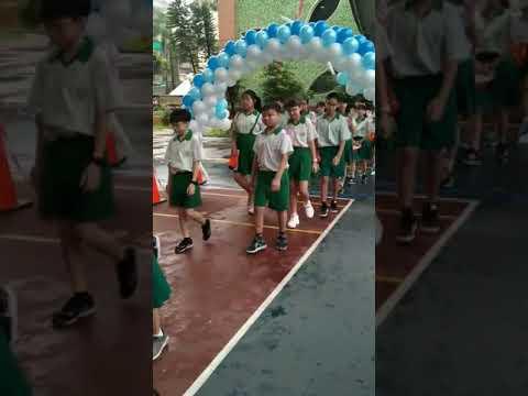 思賢601、602畢業典禮進場2019/6/13 - YouTube