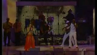 shakira & wyclef jean - será, será (las caderas no mienten) (billboard latin music awards 2006)