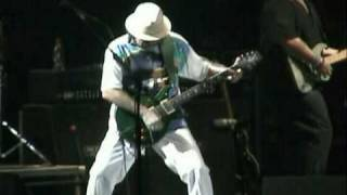 Carlos Santana y su poderoso solo de guitarra (Live your Light 2009 Chile)