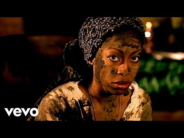 Video oficial de on&on de Erykah Badu