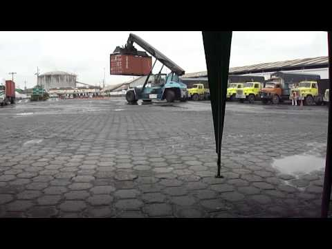 EN PORTUARIO fertisa 17-12-2010 abraham1479@live.com.MP4ABRAHAM QUEZADA GUAYAQUIL