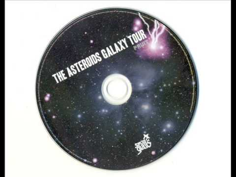 the-asteroids-galaxy-tour-satellite-bingophobic