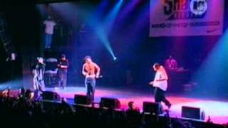 Eminem. -.Love.Me.(feat..Obie.Trice.and.50.Cent) Live.in.Barcelona