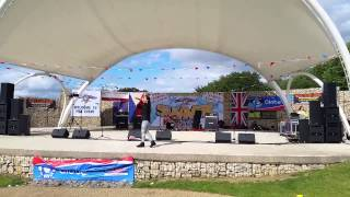 Arianna Morgan preforms price tag at the MK Filipino-British summer Fiesta 2015