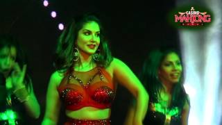 Sunny Leone Live Funny Video width=