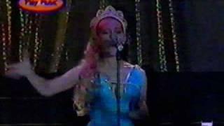 Mónica Naranjo - Desátame (fragmento en directo,1998)
