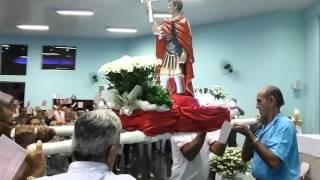 Imagem de Santo Expedito é recebida por católicos na igreja do Jardim Aeroporto (ilhadenoticias.com)