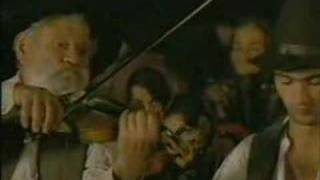 Jewish klezmer vs Gipsy music - Train de vie