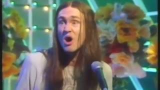 Neil   Hole In My Shoe Live  Top Of The Pops