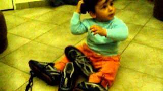 """22 10 2004 Chamando a Taty no telefone """"Juan"""""""